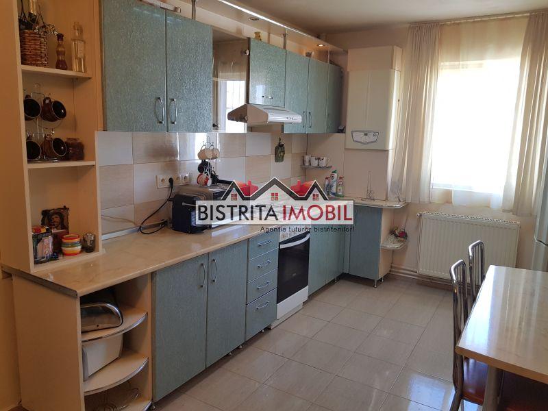 Apartament 2 camere, zona Lama, spatios, finisat, partial mobilat