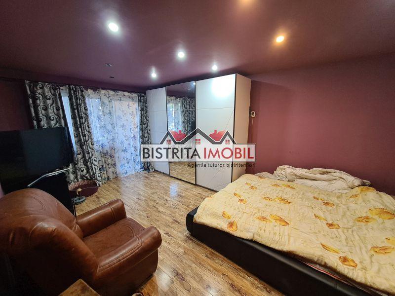 Apartament 4 camere, B-dul Independentei, etaj 1, decomandat, 2 bai